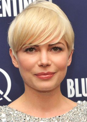 Michelle Williams Short Hairstyles for Round Face1 Corte de Pelo Corto para Cara Redonda